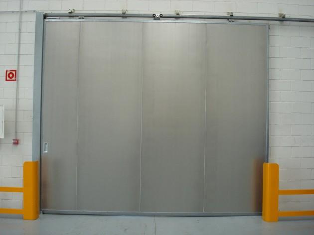 Muelles de carga puertas industriales efaflex mayasa for Puertas industriales